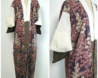 Peasant Juban Kimono Robe. Antique Japanese Boro. Hand Sewn Folk Wear (Ref: 067)