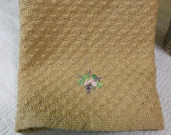 E122 OOAK Handwoven Swedish Lace Table Linen or Table Runner