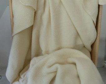 RALPH LAUREN Acrylic Blanket Ivory Off White KING 102X82