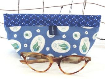 Makeup Bag, Purse Accessory, Notions Pouch: Blue Terrarium Snapdragon