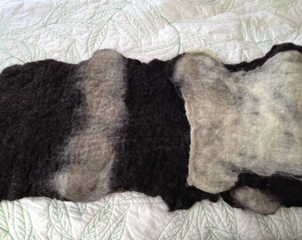 Pet Mat EXTRA LONG, Handmade Felted Wool Cozy for Cats and Dogs