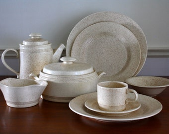 Homer Laughlin Country Sage Dinnerware Set, 28 pieces