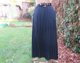 Pleated Skirt / Pleated Skirts / Skirt Vintage / Long Pleated Skirt/ Maxi / Black Pleated Skirt / Size EUR36 / 38 / UK8 / 10