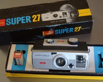 Vintage Brownie Super 27 Camera Outfit in original box