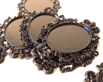 Black Oval Cabochon Frame
