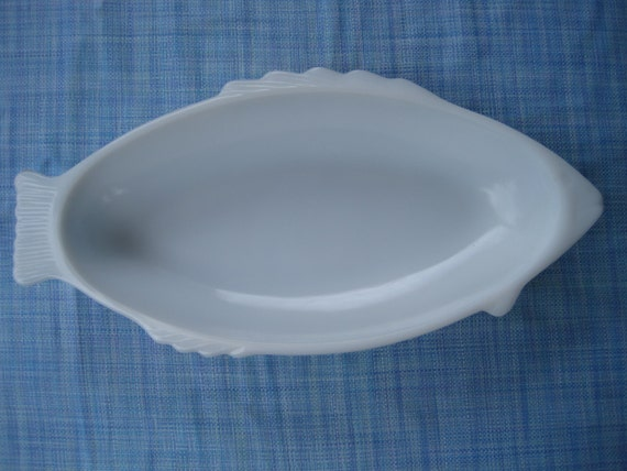 Large milk glass fish shaped bowl or platter for Large glass fish bowl