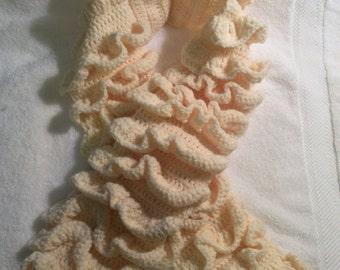 Cream ruffle winter scarf
