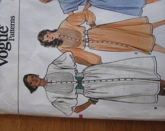Vintage Vogue Pattern 9010 Misses' Dress    1980's    Uncut