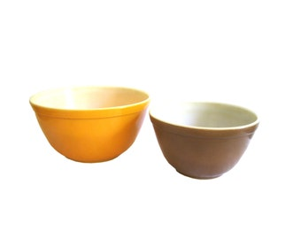 Pyrex Orange Brown Mixing Bowl Set