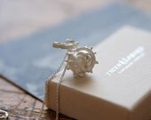 Necklace chestnut silver
