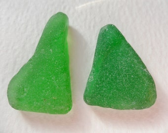 2 kelly green sea glass triangle shapes - Lovely English beach find pieces