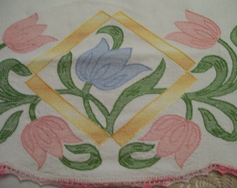 Vintage Decorative Towel Applied Tulips with Crochet