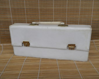 Vintage Lady's 1980's White Faux Leather Hand Bag