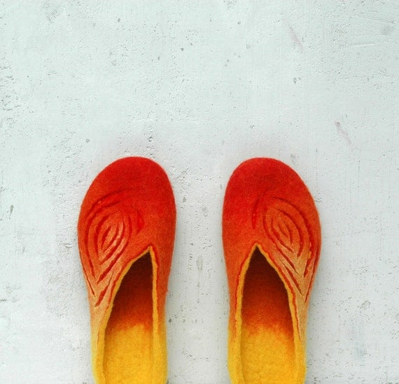 Felted slippers Women slippers Wool slippers Valenki Home shoes Orange red yellow Traditional felt Handmade shoes Woolen clogs Felted clogs
