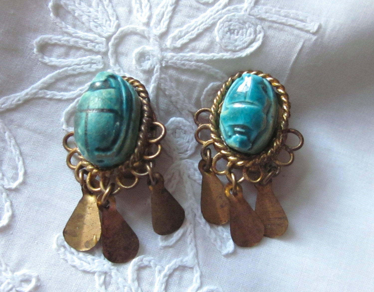 Egyptian faience turquoise colored scarab earrings vintage for Faience turquoise