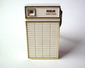 Vintage RCA Solid State Transistor Radio, Japan