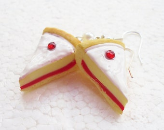 Bakewell Tart earrings. Polymer clay.