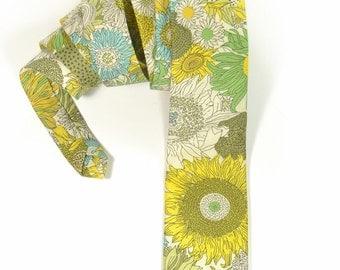 Wedding Mens tie, yellow green flowers groomens necktie