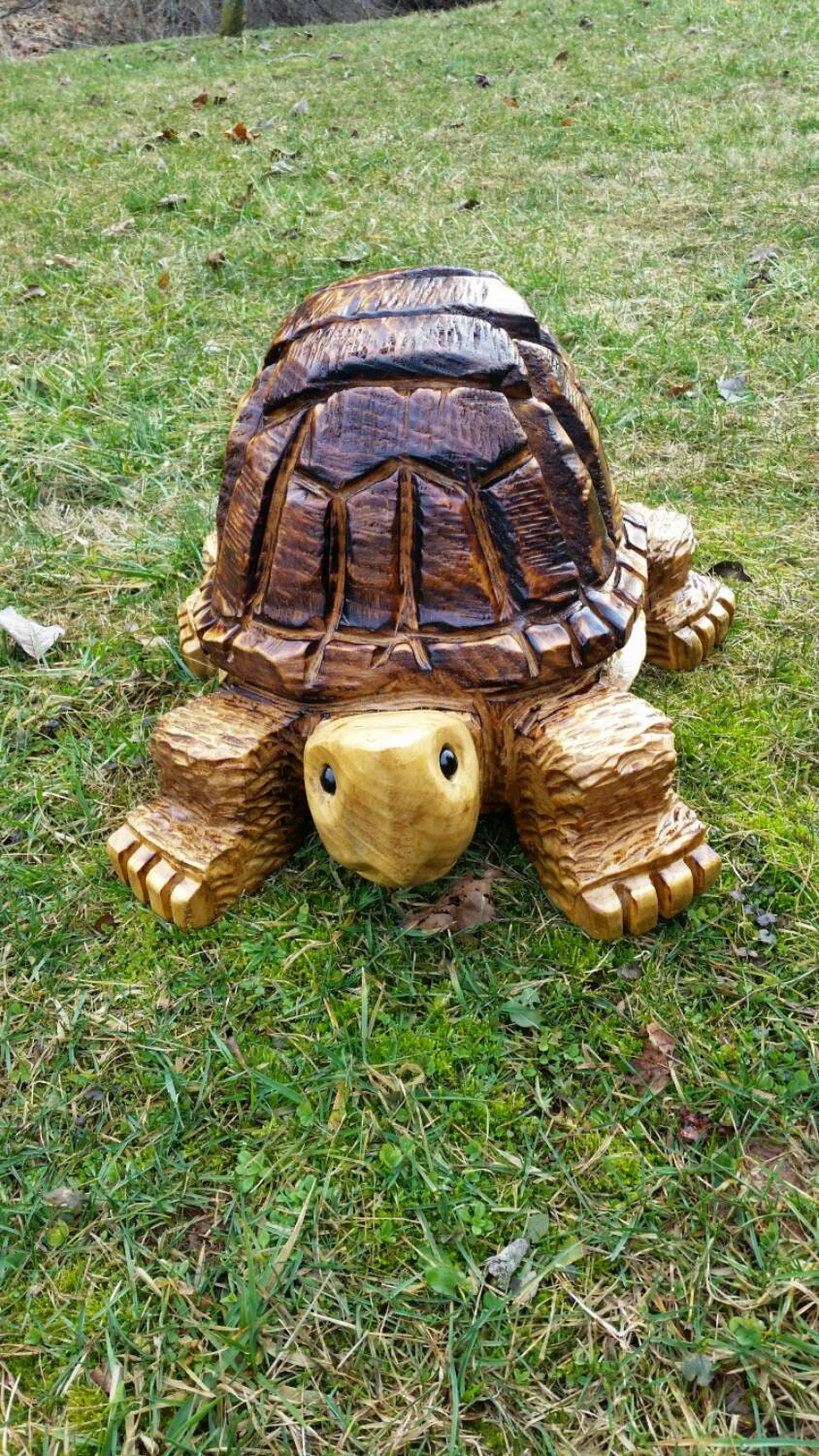 Chainsaw carving carved medium by
