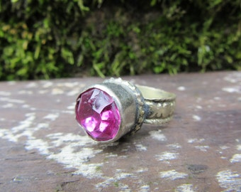 Vintage Metal Ring Pink Stone Size 9 Chunky Ring vtg Unique  Fortune Teller Gypsy Jewelry Belly Dancer Ethnic Mediterranean Stocking Stuffer