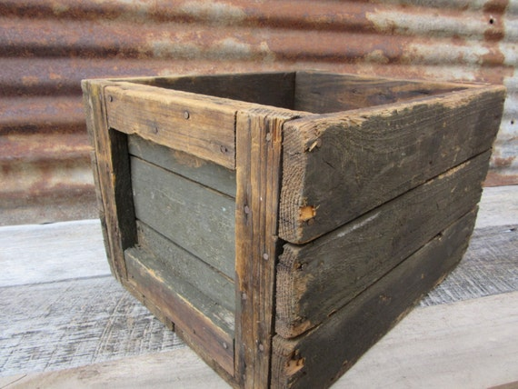 Old wood crate heavily distressed delivery box vintage display for Old wooden crates