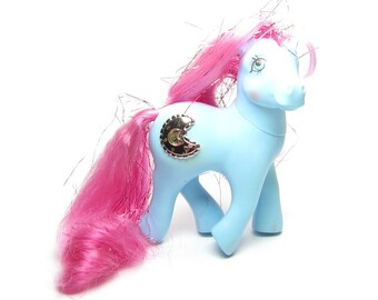Princess Royal Blue Sapphire G1 My Little Pony Vintage Toy Blue Body with Magenta Tinsel Hair