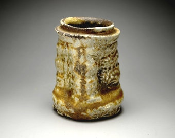 Shigaraki, anagama, ten-day anagama wood firing, with natural ash deposits wall hanging flower vase, kake-30