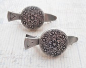 Silver Floral Button Hair Clip, Victorian Flowers on Pewter Alligator Clip, Lovely Bridal Hair