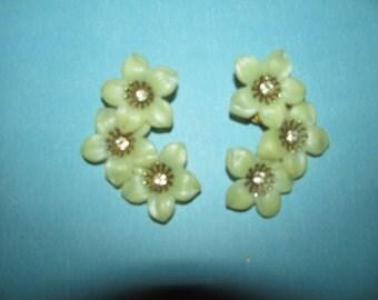Vintage Gold Tone Yellow Plastic Rhinestone Flower Clip On Earrings