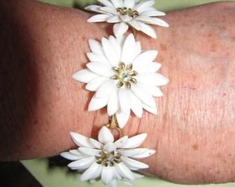 Vintage Coro Gold Tone White Plastic AB Rhinestone Flower Bracelet