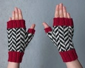 Black Lodge fingerless gloves, chevron pattern, handmade, women size M, twin peaks inspired, wool