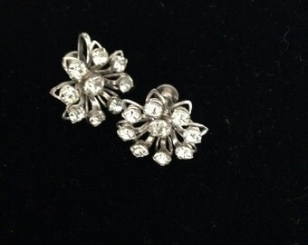 Vintage Rhinestine screwback Earrings