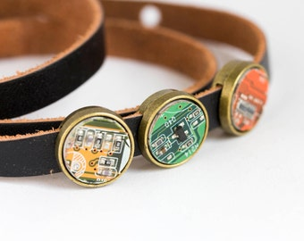 Wrap bracelet - leather bracelet and geeky buttons - circuit board jewelry - customizable color - 12 mm