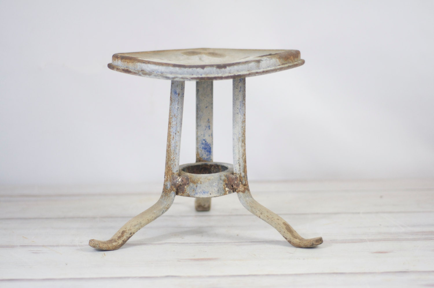 Antique Iron Stool Bing Images