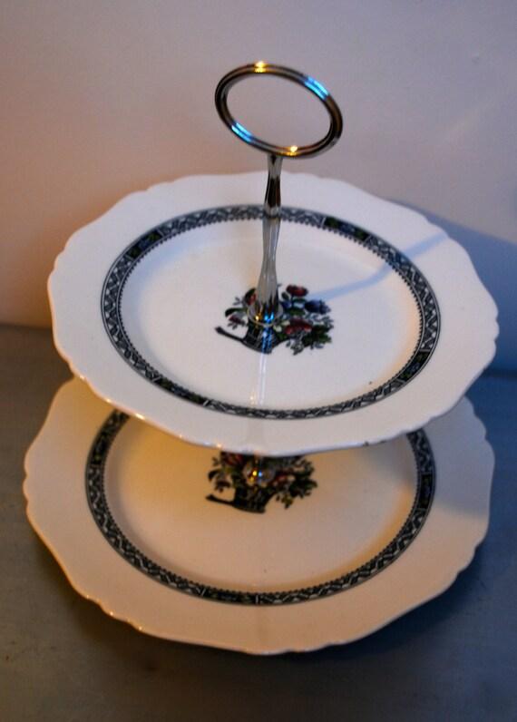 Cake Design Pays Basque : Vintage 2 tier cake stand Coronaware Basque design