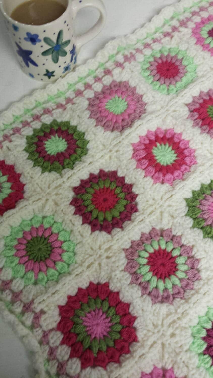 Starburst Flower Crochet Blanket Pattern : Garden Flowers starburst granny square crochet pram