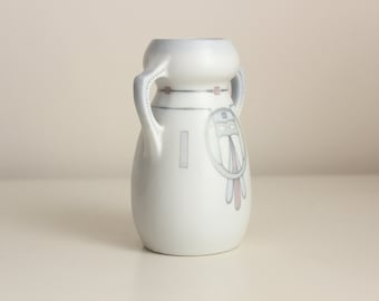Galluba & Hofmann Porcelain Petite Handpainted Secessionist Vase, circa 1910