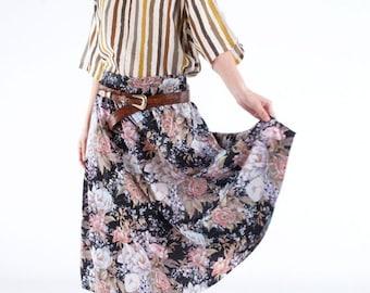 Mid length skirt flower print