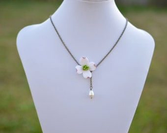Dogwood and Pearl Necklace, Dogwood Jewelry, Dogwood flower necklace, Dogwood spring jewelry, Dogwood Jewelry theme