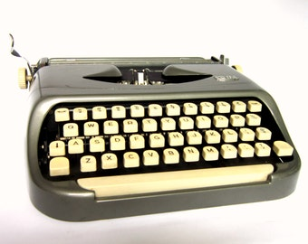 """Vintage 1960s Royal Typewriter """"Companion"""" Made in Holland, Royalite Compact Machine with Case"""