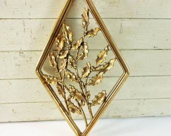 Vintage Syroco Wood Wall Hanging Holly in Gold Diamond Frame