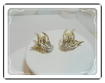 Marboux by Boucher Clip-ons -  Goldtone Fingers & Rhinestone Earrings E515a-071512000