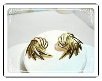 Huge Pinwheel  Earrings  - Whirling Pierced Gold-Tone Earrings E501a-041412000
