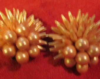 vintage apricot pearl sea anemone clip on earrings