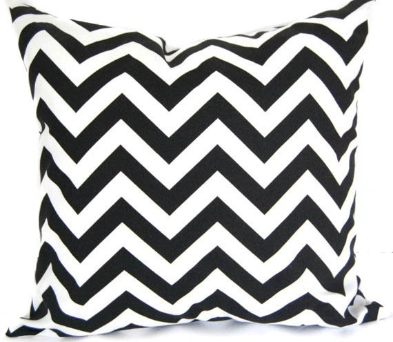 Pillow Cover, Pillow Sham, Cushion Cover, Home Decor Black and White Chevron Zig Zag modern decor