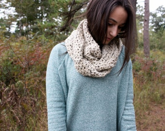 Women's Infinity Scarf in Speckled Oatmeal // The Brynn