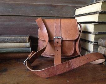 Vtg Artisan ~ Rustic Brown Leather Saddle Bag // Crossbody Messenger