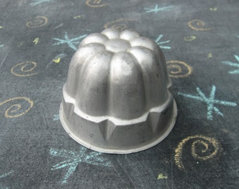Vintage Jelly Mould, Jello Mold, Cake Mold, vintage baking, kitchenalia