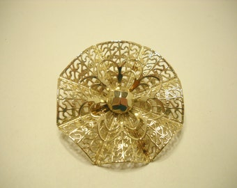 Lacy Gold Tone Scalloped Octagonal Brooch (306) Emmons