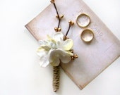White Wedding Hydrangea Boutonnieres with Gold Accent, Grooms Flower, Groomsmen, White Velvet Hygrangea, Traditional, Vintage Inspired